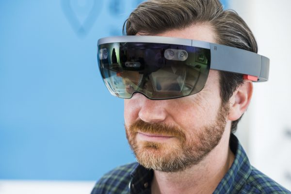 How to develop mixed reality apps for enterprise