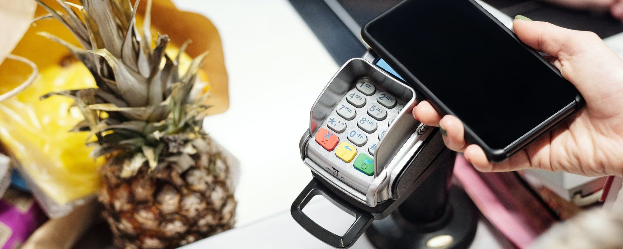 mobile payments being used to buy shopping